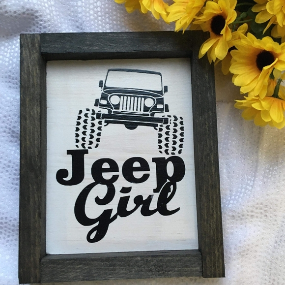 Hand Crafted   Jeep Girl Wall Sign / Home Decor